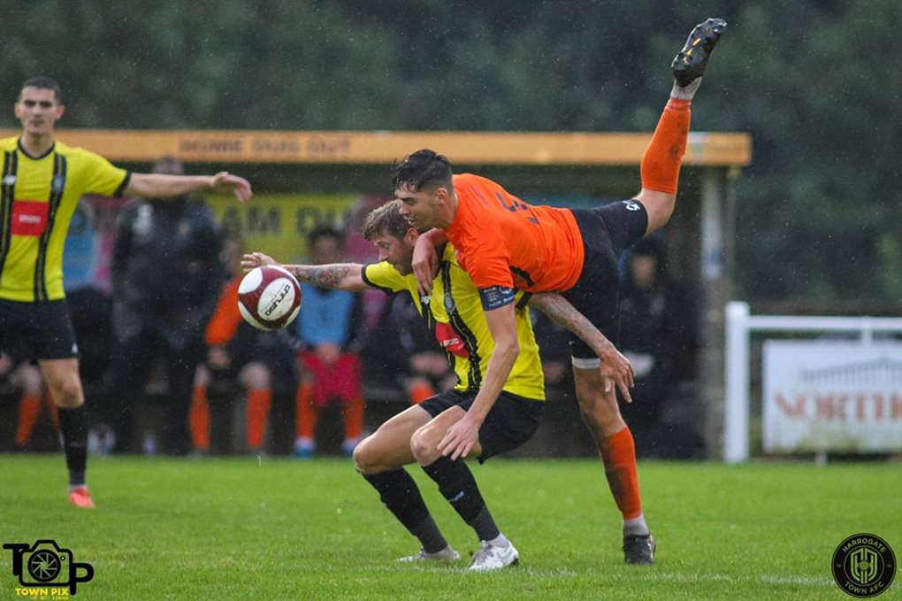 Brighouse Away Image 4
