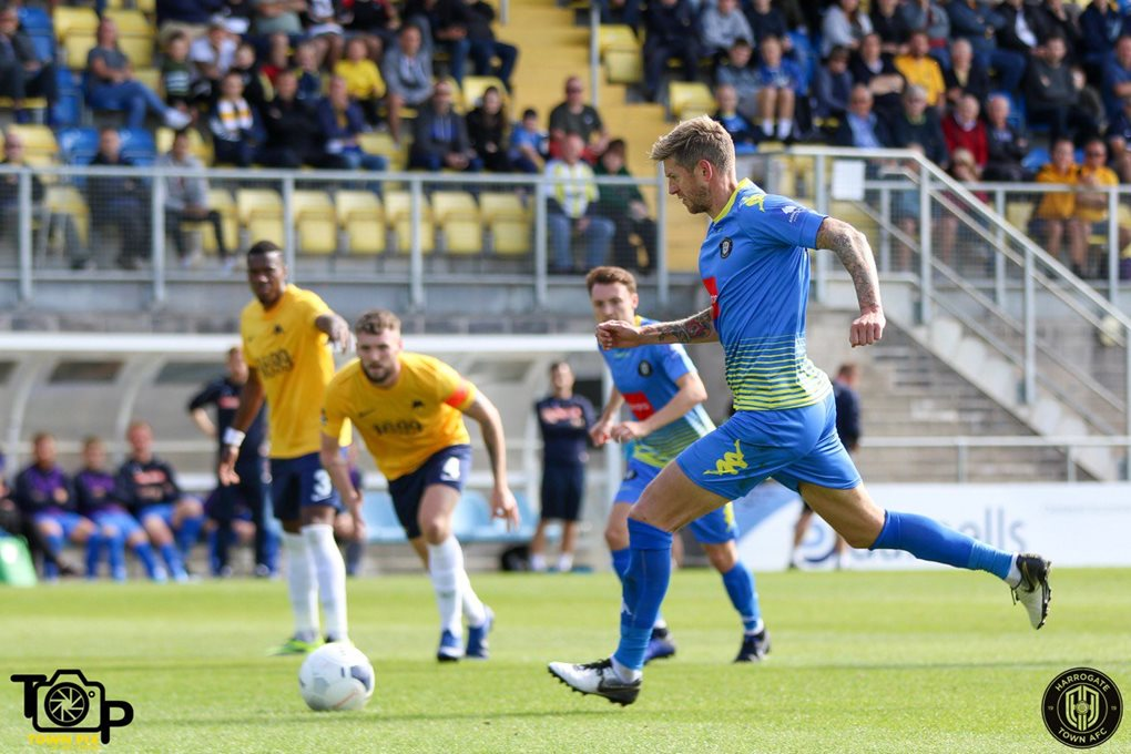 Torquay Away Image 3